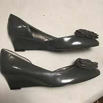 Bandolino Grey Patent Leather Wedge Pumps Size 7.5 With Flower on Toe Photo