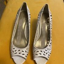 Bandolino High Heel Open Toe Shoes-Sz 10-1/2 White Color With Cutouts. Photo
