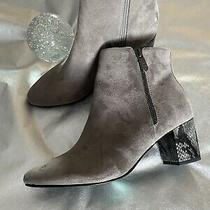 Bandolino Lila Grey Bootie Snakeskin Heel Size 8.5 Photo