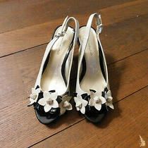 Bandolino Marlee Patent Slingback Heels Peep Toe Cream Black 3d Flowers Sz 7  Photo