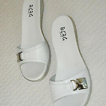 Bcbg Paris Women Shoes White Leather Sandals Flip Flops  Size 9.5 New Mint Photo