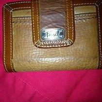 Beautiful Ladies Fossil Wallet Photo