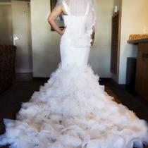 Beautiful Vera Wang Mermaid Wedding Dress W/veil Sz 8 Never Worn Photo