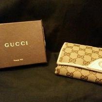 Beige Gucci Wallet Photo