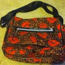 Betsey Johnson Betseyville Messenger Bag Photo