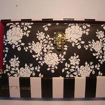 Betsey Johnson Black/white Floral Gold Tone Skull Zip Around Wallet/wristlet Nwt Photo
