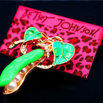Betsey Johnson Fashion Women's Jewelry Crystal Pea Glamour Brooch Pin Photo