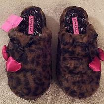 Betsey Johnson Womens Slippers Leopard Print Heart Charm Scuff Size S New W/tag Photo