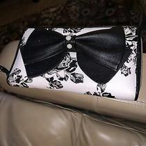 Betsey Johnson Zip Around Wallet/clutch White W/ Black Bow W/ Pearls Nwt Rare Photo