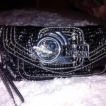 Black Guess Medium Handbag  Photo