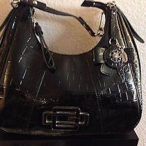 Black Guess Purse Photo