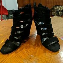 Black Guess Wedges Size 6  Photo