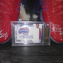 Blake Griffin Autographed Nike Hyperdunks Pe Photo