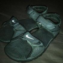 Boys Nike Sandals Size 2y Black With Straps  Photo