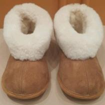 Brown Lamb Skin Slippers Photo