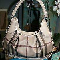 Burberry  Beige Shoulder Bag Photo