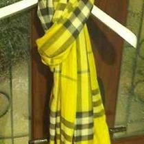 Burberry Giant Check Scarf in Lemon Quartz (Wool/silk) Photo