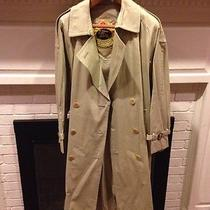 Burberry Prorsum Collection Trenchcoat Photo