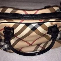 Burberry Purse Photo