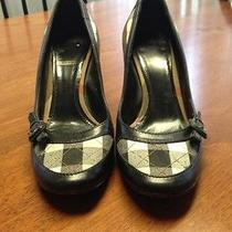 Burberry Shoes Photo