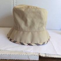 Burberry Summer Hat Photo