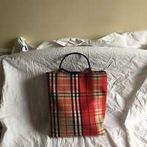 Burberry Tote  Photo