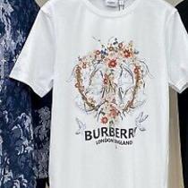 Burberry Unisex Stylish T-Shirt Size M Photo