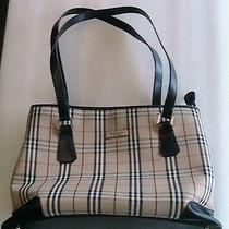Burberrys Handbag Photo