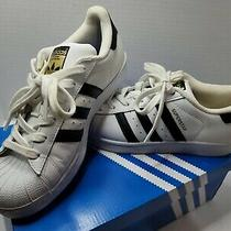 C77153 Womens Adidas Superstar Lightly Used. Right Missing Insert. Size 5 Photo