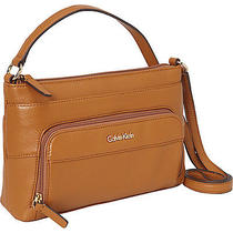 Calvin Klein Key Item Pebble Crossbody - Toffee Photo