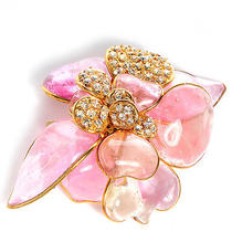 Chanel Gripoix Poured Glass Crystal Camellia Brooch Pink Pink Gold Photo