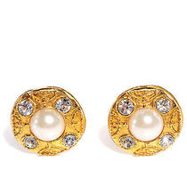 Chanel Vintage Pearl Cc Clip on Earrings Gold Cc Photo