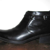 Clarks Black Hue Genuine Leather Zip Ankle-Boots Sz 7 M Lk Photo