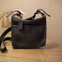 Classic Black Leather Coach Shoulder Bag/purse With Orig. Bag It Was Sold In Photo
