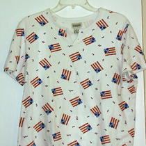 Classic Elements -T Shirt - Large- 100% Cotton - American Flags With Tiny Flower Photo