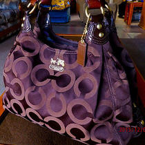 Clean Coach 14324 Madison Op Art Xl Signature Hobo Maggie Holiday Winter Summer Photo
