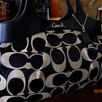 Coach 18828 Lexi Signature Blk Hobo Maggie Style Holiday Winter Summer Sale Photo