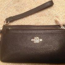Coach 52334 Textured Leather Zippered Iphone Wallet/wristlet   Nwt Photo