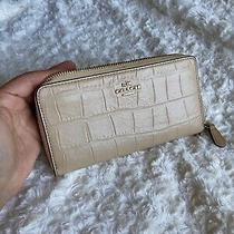 Coach Accordion Zip Wallet Clutch Embossed Croc Leather Tan Photo