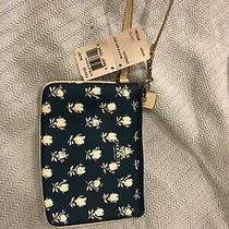 Coach Badlands Blue Floral Small Wristlet Printed Pebble-Embossed Canvas F53152 Photo