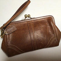 Coach British Tan Pebbled Leather Kisslock Frame Wristlet Wallet Case Purse Photo