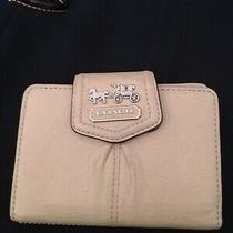 Coach Carriage Tan Beige Pleated Leather Billfold Clutch Snap Wallet  Photo