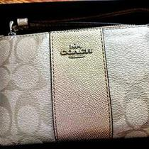 Coach Corner Zip Wristlet Signature Canvas Gold Boxed New Tag Summer  Photo