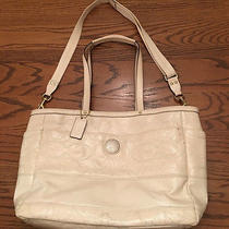 Coach F19256 Patent Leather Extra Large Off White Cross Body/shoulder Diaper Bag Photo