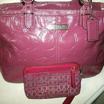 Coach Gallery No F19462 Pretty Large Magenta Pink Patent Leather Tote W/wristlet Photo