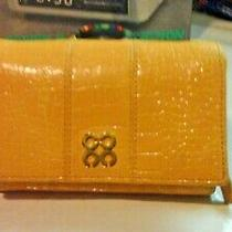 Coach Julia Yellow Embossed Croc. Compact Clutch Wallet Prestinec-Pictures    Photo