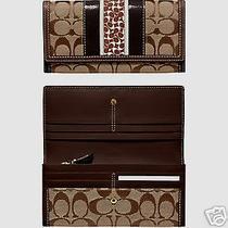 coach.khaki/mahogany Hamptons Signature Slim Wallet New Photo