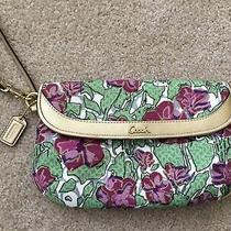 Coach Large Flap Wristlet Clutch Bag Purple Flower Fabric Gold Leather Trim Tag Photo