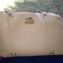Coach Leatherware Pocket Book Large Preowned Photo