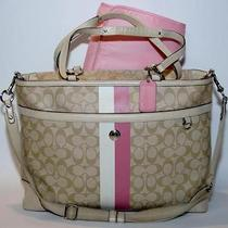 Coach Medium Tote Purse Photo
